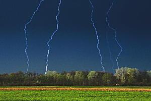 落雷事故を防ぐために。
