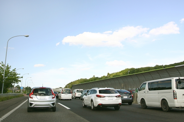 連休中の交通事故