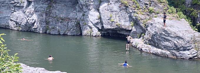 子どもだけの水遊びは危険